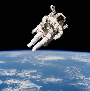 astronaut_floating_nasa